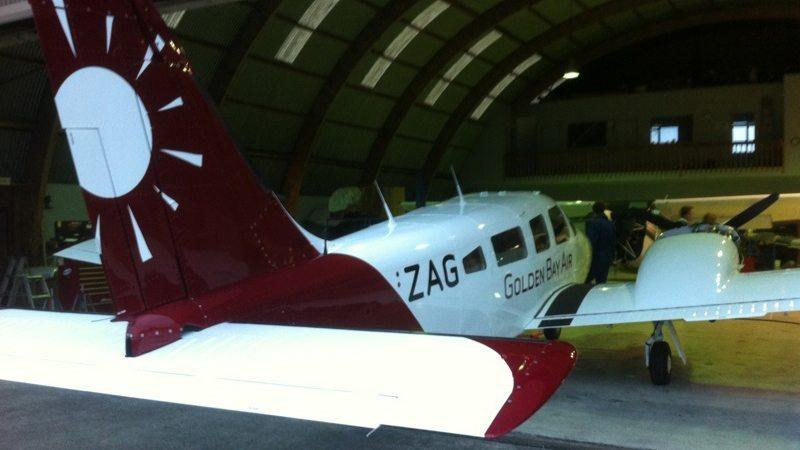 aircraftsignage_goldenbayair