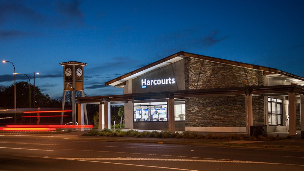 Illuminated_Harcourts_3Dfabricatedlogo